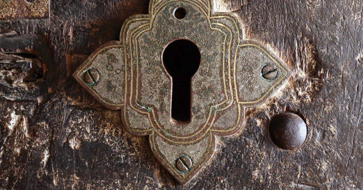 Ancient keyhole image