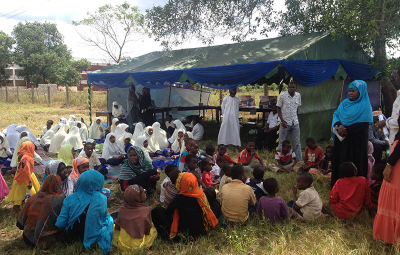 In one day, 700 people came out to this reading tent set up in Unguja by the Zanzibar Library Service to improve access to books and help children develop their reading.