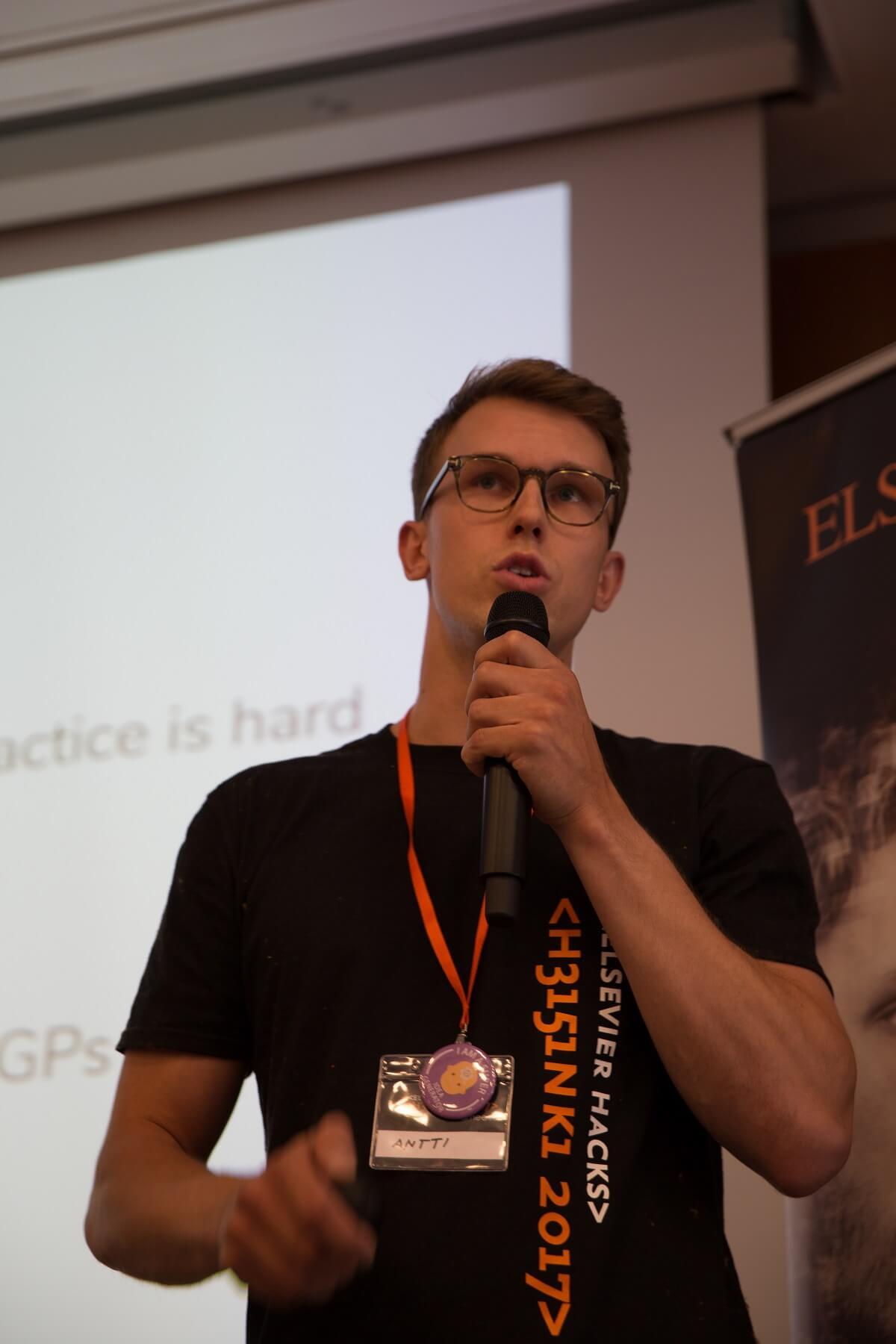 Antti Mauno presenting
