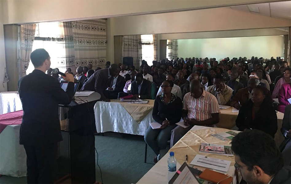 Marc Chahin, Executive Publisher at Elsevier, gives an author workshop at Egerton University-Kenya – one of many Elsevier is organizing in Africa to boost the outcomes of African researchers.