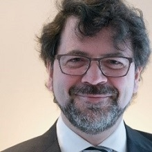 portrait-photo-of-Dr-Eric-Archambault.jpg