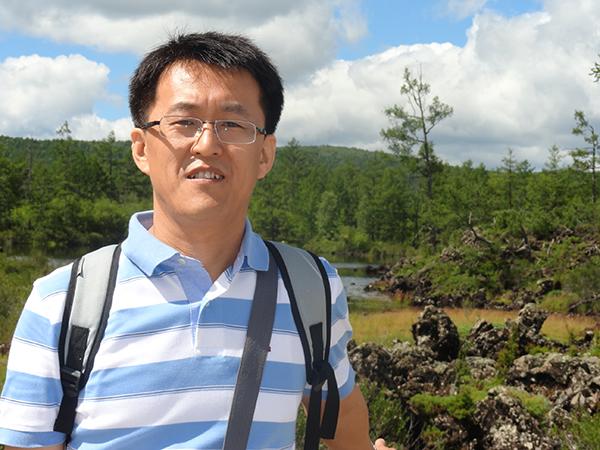 8. Zhen Zhou