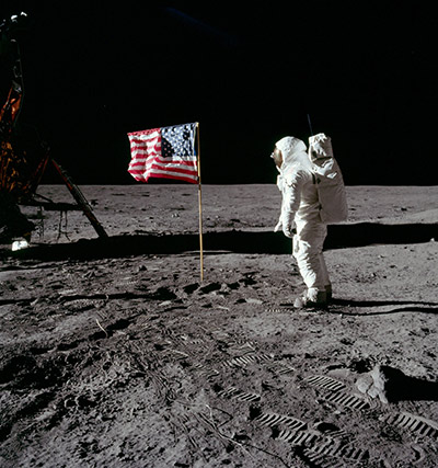 Buzz Aldrin salutes the US flag during the first moon walk in 1969. (Photo: NASA / Neil A. Armstrong)