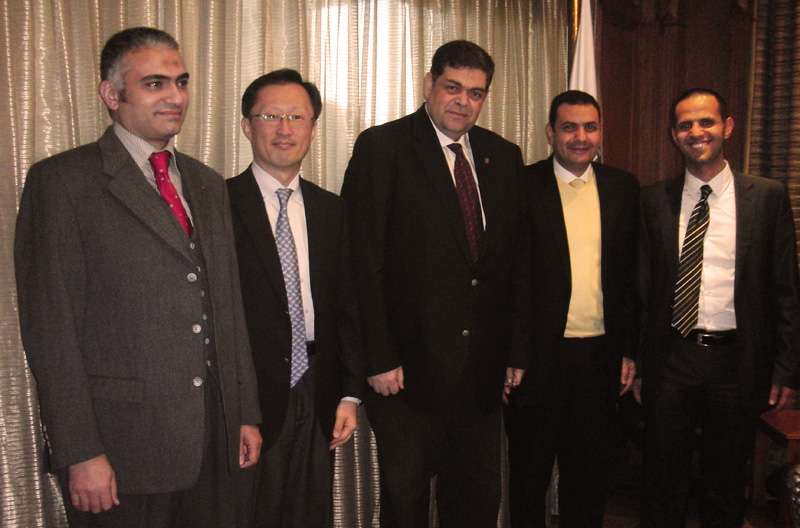 <strong>Meeting of the minds </strong>(from left to right): Dr. Ashraf Hussein, Director of the Higher Education Information Centre, Supreme Council of Universities (SCU); Youngsuk 'YS' Chi, Chairman of Elsevier; Dr. Ashraf Hatem, Secretary General, SCU; Dr. Khaled Abd El-Fattah, Director of Egyptian  Universities' Libraries Consortium, SCU; and Mohamed Kamel, Regional Director, Africa, for Elsevier.