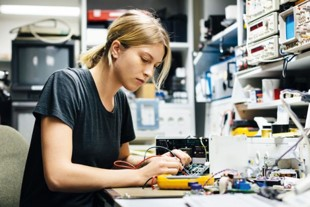 women-engineer-working-at-the-lab | Elsevier