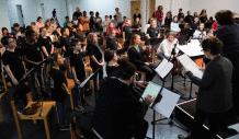 Première répétition des orchestres de Sablé-sur-Sarthe et de Malakoff dirigée par Claire Gibeault, en présence de Graciane Finzi.