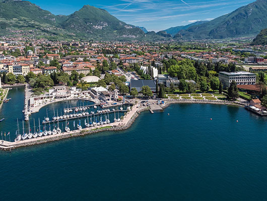 Riva-del-Garda_congress-center_full