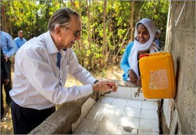 UN Deputy Secretary-General Jan Eliasson on a mission in Ethiopia (©UNICEF Ethiopia/2014/Ose)