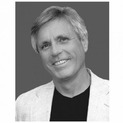 """Entrevista con Thomas Myers, autor de """"Vías anatómicas"""""""