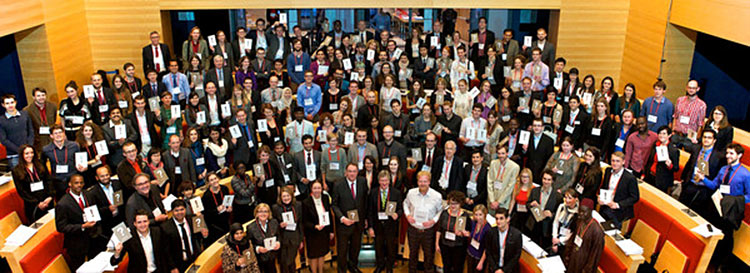 Every year, 100 young researchers and innovators gather in Berlin from around the world to compete in the Falling Walls Lab. They each have 3 minutes to present their project. This picture shows the 2013 contestents. Read more about the event and how to enter at the end of this story. (Photo © Falling Walls Foundation)