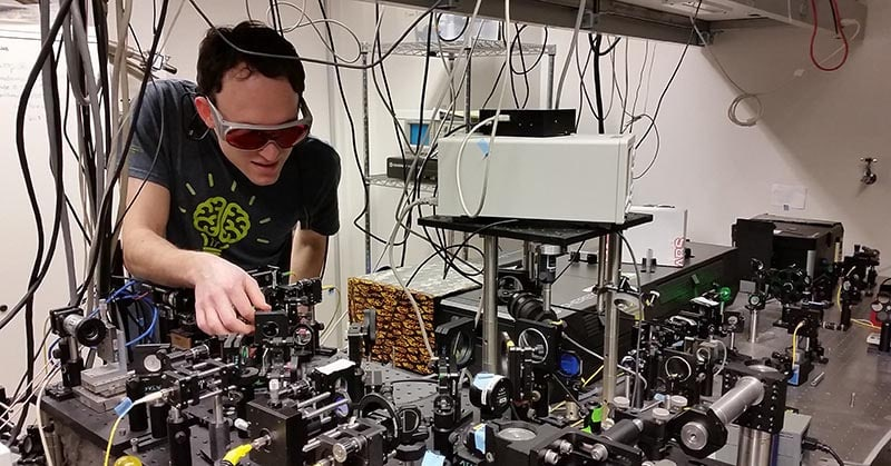 Andy-Greenspon-in-lab