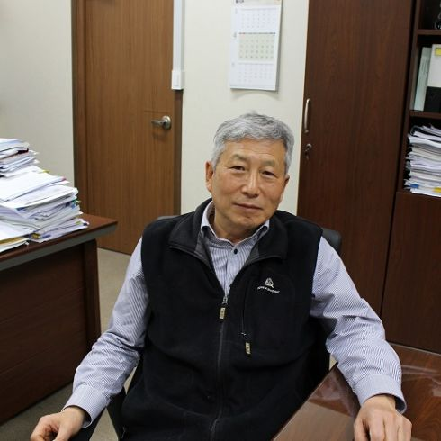 Yong-Zu Kim Chief Executive Officer & President