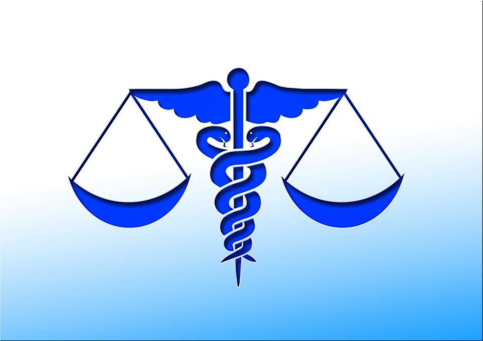 Los requisitos médico-legales que conlleva el ejercicio de la Medicina en la actualidad