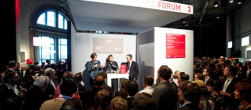 <strong>The Falling Walls Forum is the place for the Q&A after each session.</strong> Here, the conference speakers meet with experts and moderators in four simultaneously held discussions about the lecture topics. All audience members get headphones to follow the different panels and are invited to ask questions and join in the discussions.This 2014 Forum featured Mariana Mazzucato, PhD, of the University of Sussex, Andreas Kluth of <em>The Economist</em> and Holger Lösch of BDI - Federation of German Industries.  (Photo © Kay Herschelmann, Falling Walls Foundation)