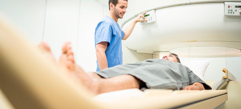 Epidemiología, manifestaciones clínicas y fisiopatológicas de la cardiotoxicidad por terapia oncológica