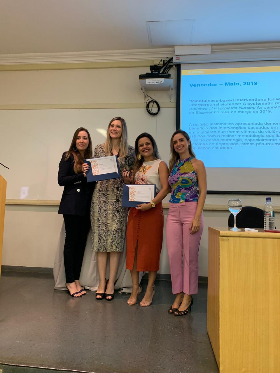 Thais Vick (Elsevier), Edilaine Cristina da Silva Gherardi-Donato , Larissa Horta Esper, Christiane Fiorin (Elsevier)