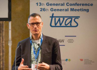 Michiel Kolman, PhD, gives a food security presentation at the TWAS General Meeting. (Photo © Foto Weinwurm)