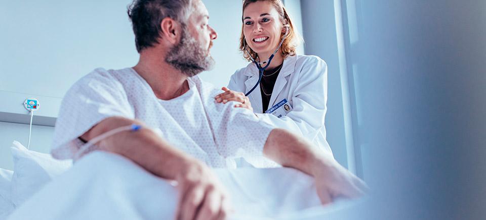 Conocimientos y actitudes sobre voluntades anticipadas en profesionales sanitarios