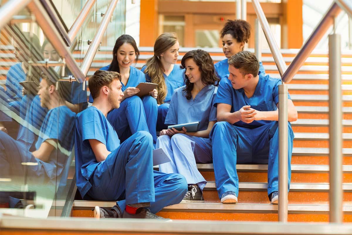 Estudiantes-Medicina-Rozman.jpg