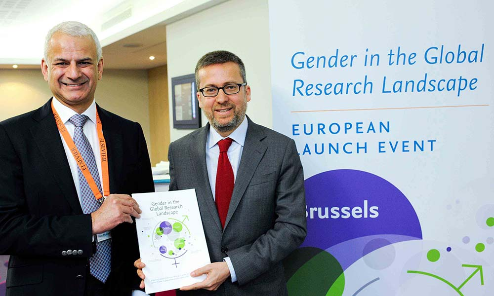 Ron Mobed, CEO, Elsevier and Carlos Moedas, Commissioner for Research, Science and Innovation, European Commission at <em>Gender in the Global Research Landscape</em> European Launch Event in Brussels.