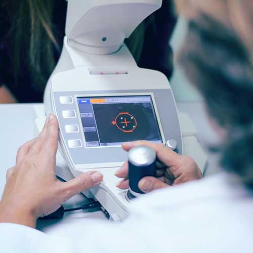 Optometry Corneal Topographer Showing an Eye and Cornea on Screen