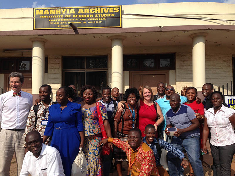 Some of the attendees in front of the Manhiyia Archives in Kumasi, Ghana (Photo by Charon Duermeijer)