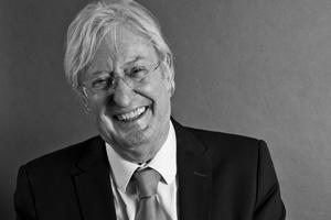 Interview du Docteur Gérard Peyrefitte, directeur de la collection Esthétique, Cosmétique, Parfumerie