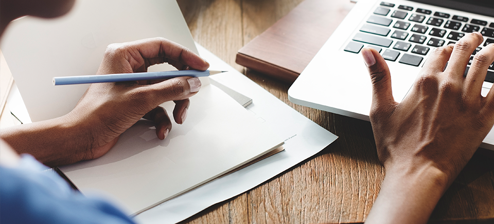 """Publicar un manuscrito: objetivo, """"aprobar"""" la revisión por pares"""