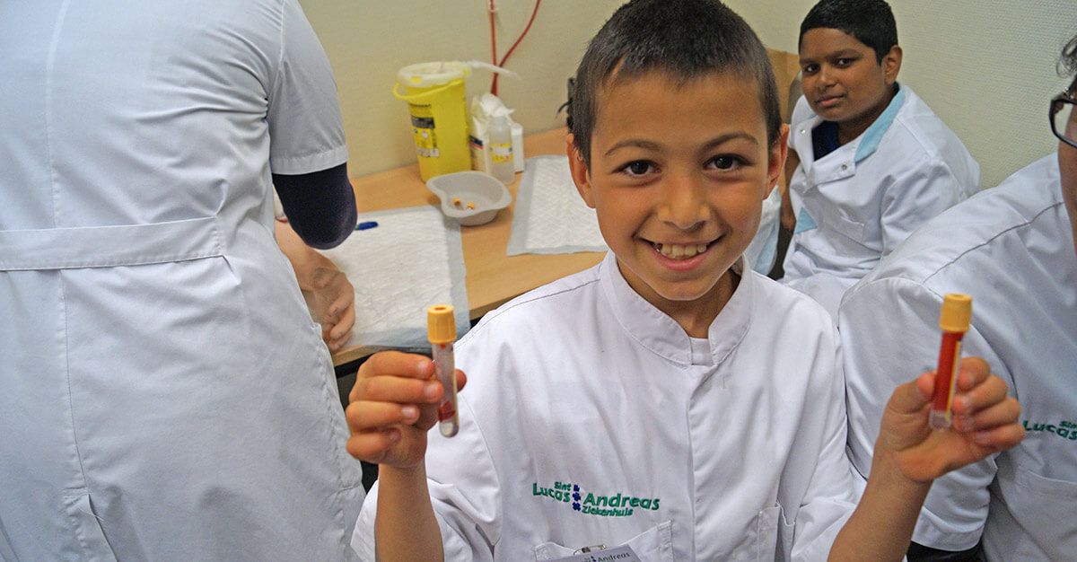 Immersing children in the world of science and medicine