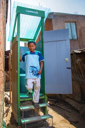 A customer in Antananarivo, Madagascar. Credit: Loowatt, 2015
