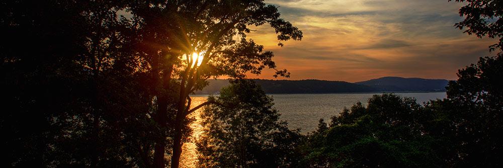 Summer on the Hudson (Photo © Alison Bert)