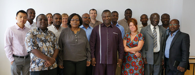 Dodoma workshop participants, including Maaike Duine (second left, back row), Sioux Cumming (third left, back row) and Steve Mao (far left).