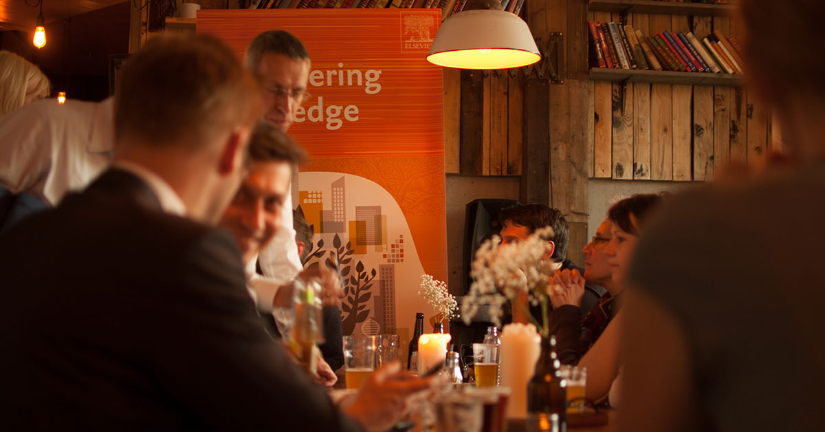 Talking science over beer at the Pint of Science event in Berlin last year. This year, Elsevier is helping to organize events in Germany, the UK and the United States.