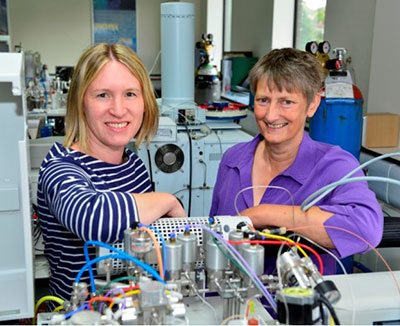 Researchers Angela Lamb, PhD, and Jane Evans, PhD, of the British Geological Survey